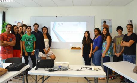 Les étudiants de l'Ecole de Commerce de Tahiti mènent l'enquête